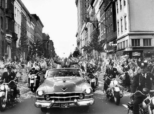 Dwight D Eisenhower kampanjar 1952